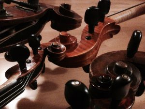 Orchester spielen